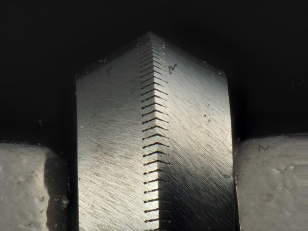 日研ダイヤレーザーホイールカッターの刃先_c0164709_06323502.jpg