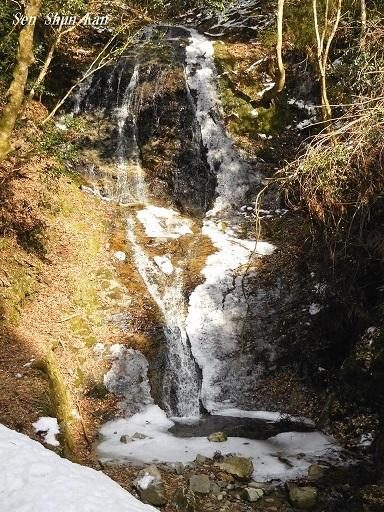 冬の音無の滝_a0164068_00071795.jpg