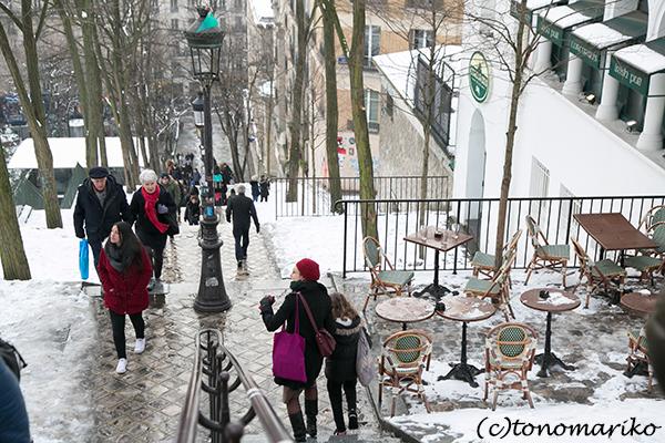 3月のイベント準備をしながら、雪のモンマルトルの丘_c0024345_08270494.jpg