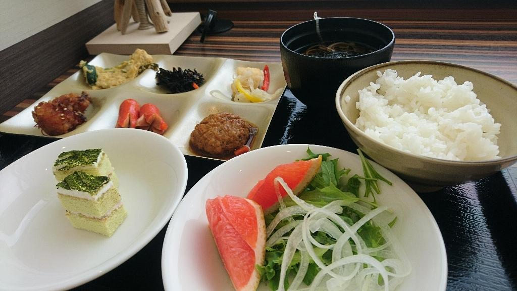 新函館北斗駅のランチ_b0106766_13292580.jpg