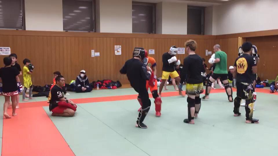 殴蹴会天_d0163620_05201457.jpg