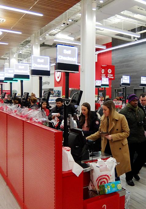 Targetが作った新しいスモール・フォーマットの34丁目店で考える『小型店舗が重視される理由』_b0007805_23152247.jpg