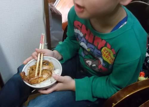 嫁のお土産シュークリーム&朝から孫守(ー_ー)!!_f0019498_16502903.jpg