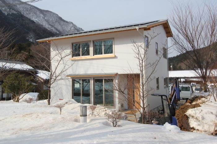 二村建築初の試み「規格住宅」4間×4間の新モデルハウス。_c0170940_17223129.jpg