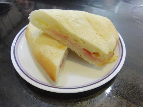 パンレク ~ パニーニ風 ベーコンチーズパン ~_e0222340_15513833.jpg