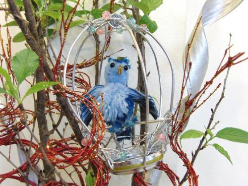 アルミ細工&ポンポン人形 ~ 青い小鳥 ~_e0222340_16121093.jpg
