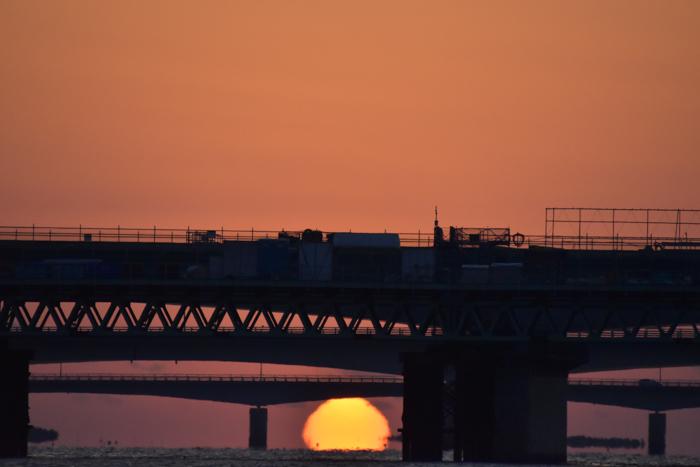 水平線から日の出だよ! そして、春 (*^_^*)_c0049299_22385074.jpg