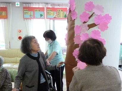 デイサービス奈の花に桜が咲いた_d0163307_19071726.jpg