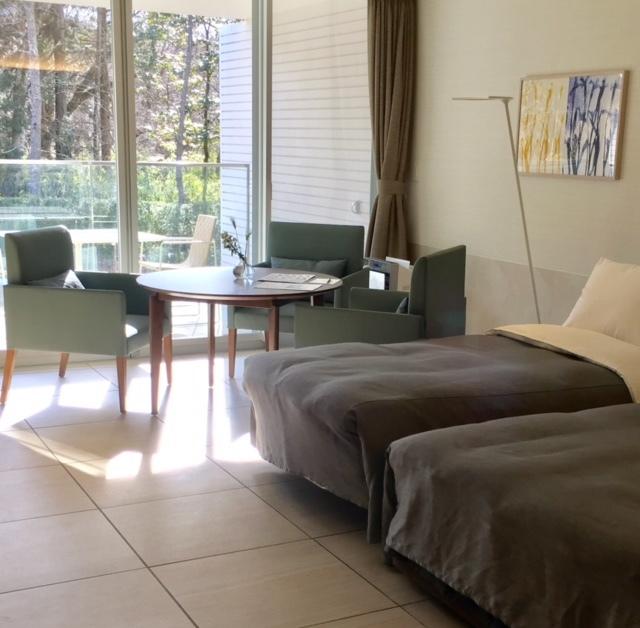 Hotel fun   インテリア&アート_a0165160_18180045.jpg