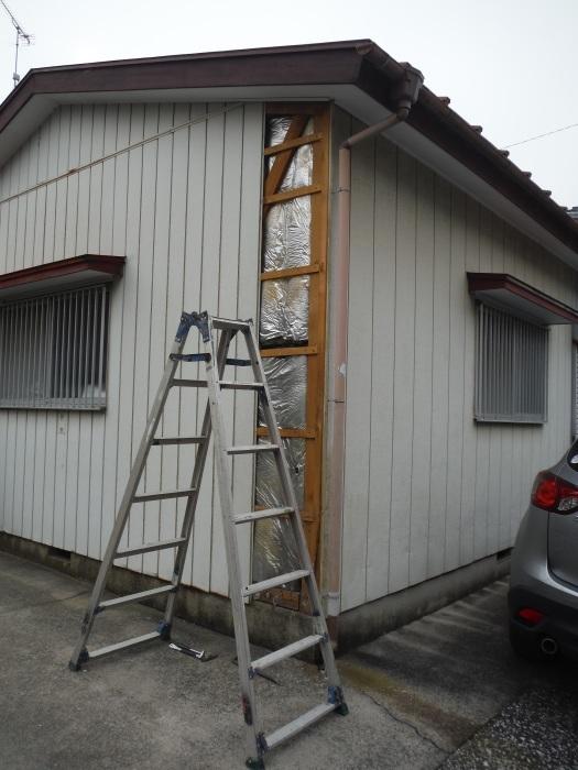小工事 ~外壁補修 。_d0165368_07060313.jpg