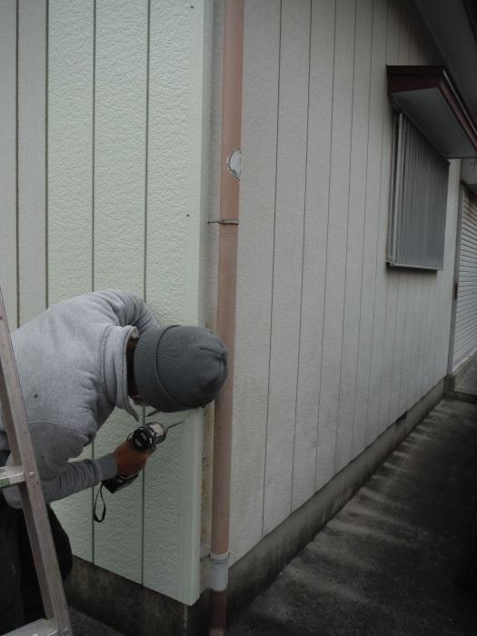 小工事 ~外壁補修 。_d0165368_07064548.jpg