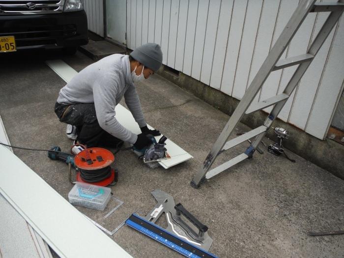 小工事 ~外壁補修 。_d0165368_07074051.jpg