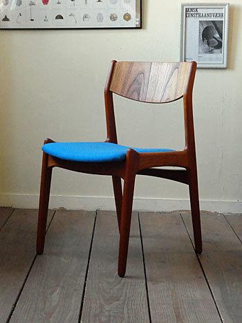 chair_c0139773_01485653.jpg