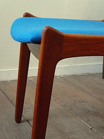 chair_c0139773_01494811.jpg