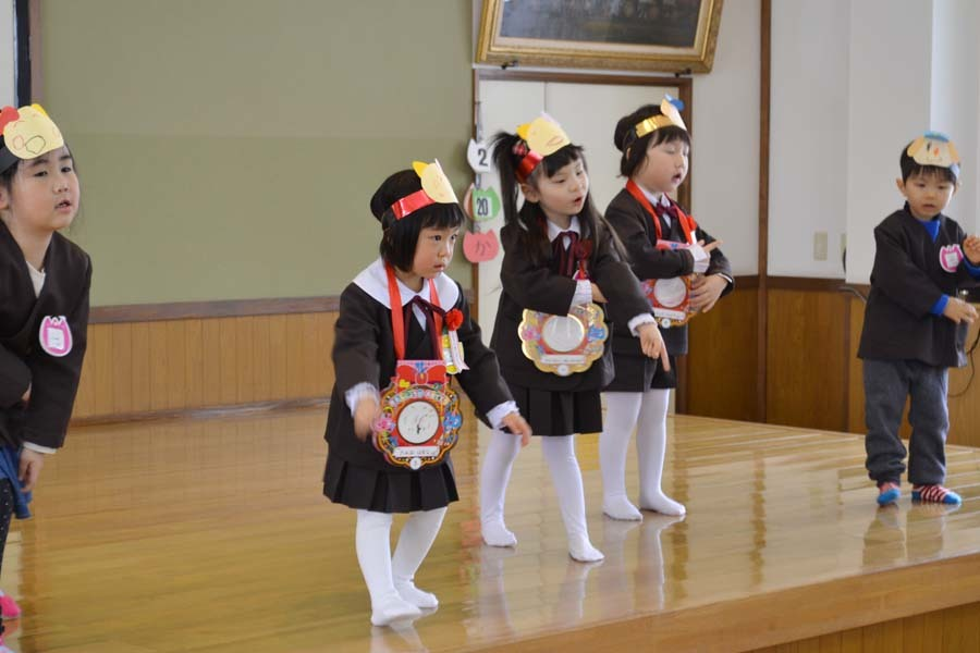 第二幼稚園 2月・3月生まれのお誕生会でした。_d0353789_15023283.jpg
