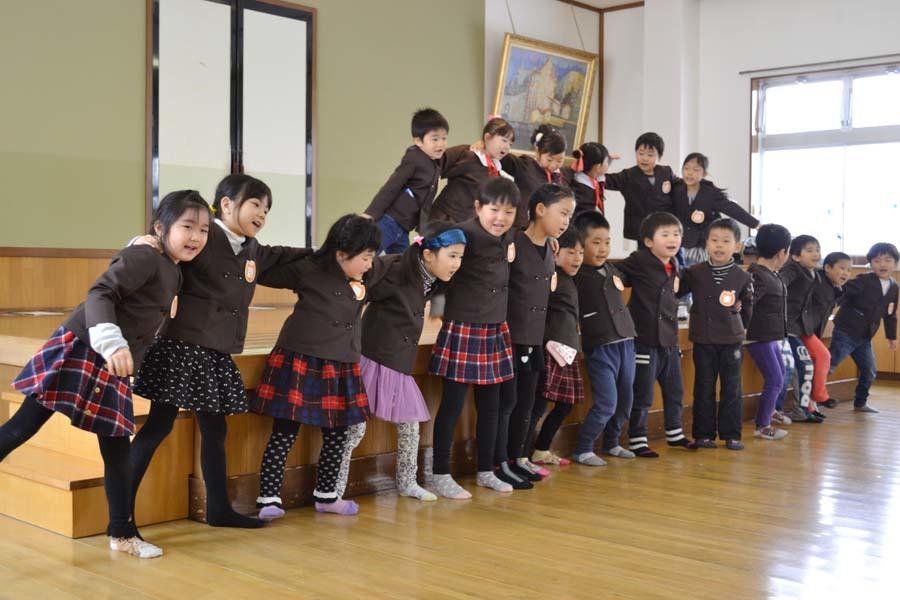 第二幼稚園 2月・3月生まれのお誕生会でした。_d0353789_15025993.jpg