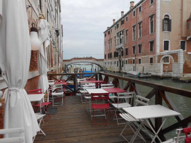 ヴェネチアのホテル_b0305039_22024270.jpg
