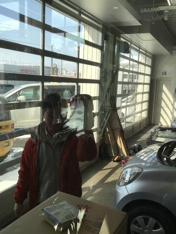 2月23日 金曜日の本店ブログ(´▽`) 本日Fさまミラ納車★ありがとうございます!トミーレンタカー・ランクル、アルファード、ハイエース_b0127002_179798.jpg