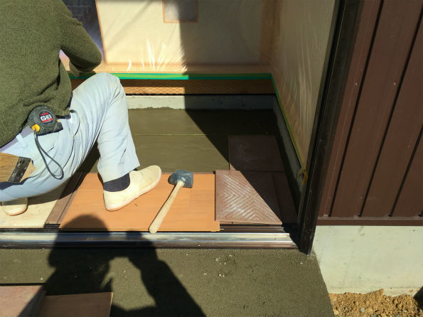 森町谷中 Fさんの離れ家 ★内装工事、木製建具工事、タイル工事_d0205883_15322262.jpg