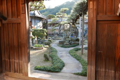 海界の村を歩く 瀬戸内海 新居大島_d0147406_13501630.jpg