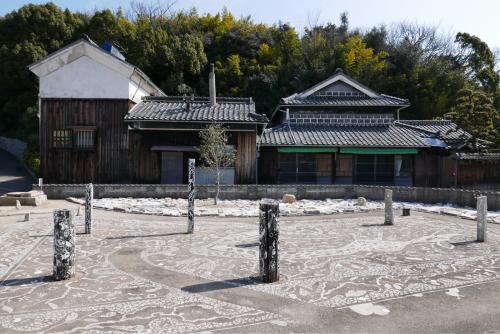 海界の村を歩く 瀬戸内海 犬島_d0147406_16274739.jpg
