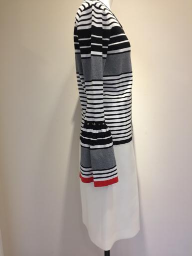 便利な白のスカート_c0223630_21160573.jpg