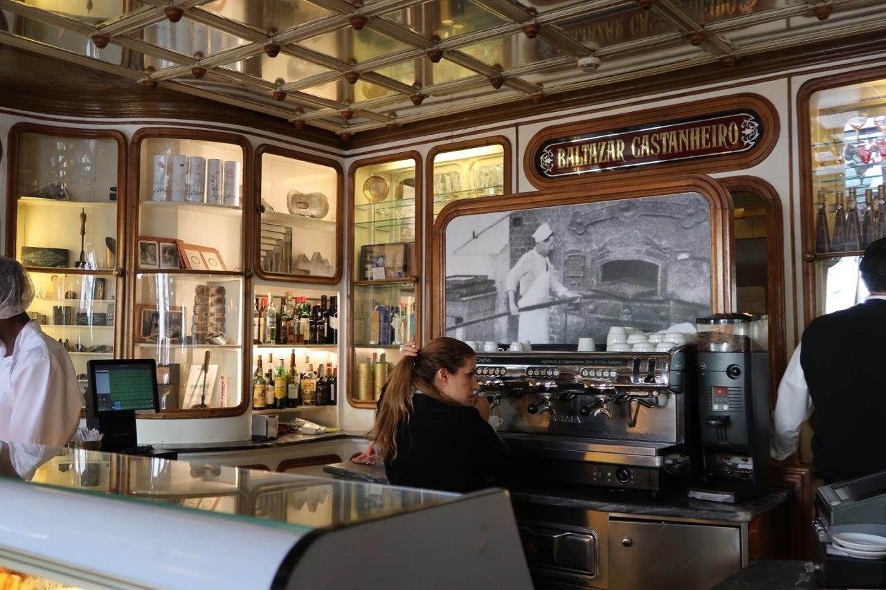 リスボンのオススメのお菓子屋さん Confeitaria National _f0380234_21550034.jpg