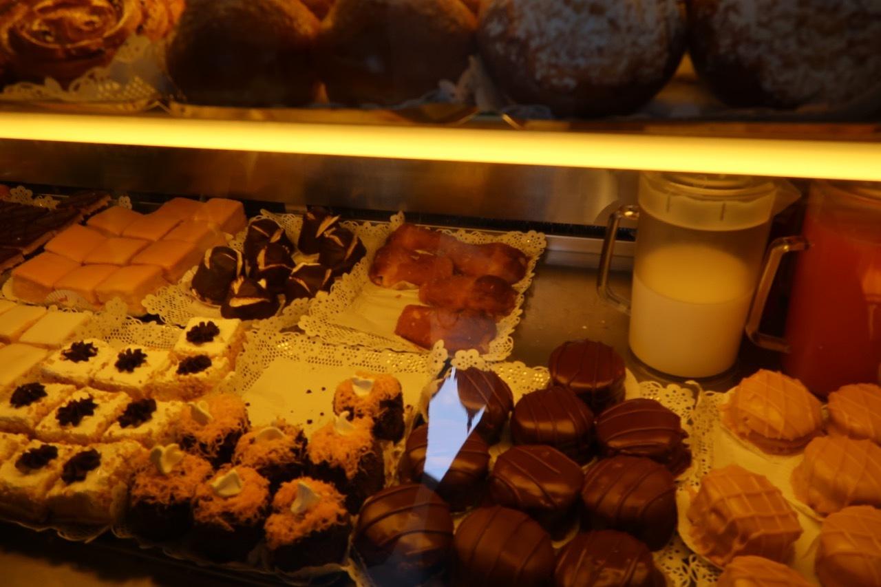 リスボンのオススメのお菓子屋さん Confeitaria National _f0380234_22184385.jpg