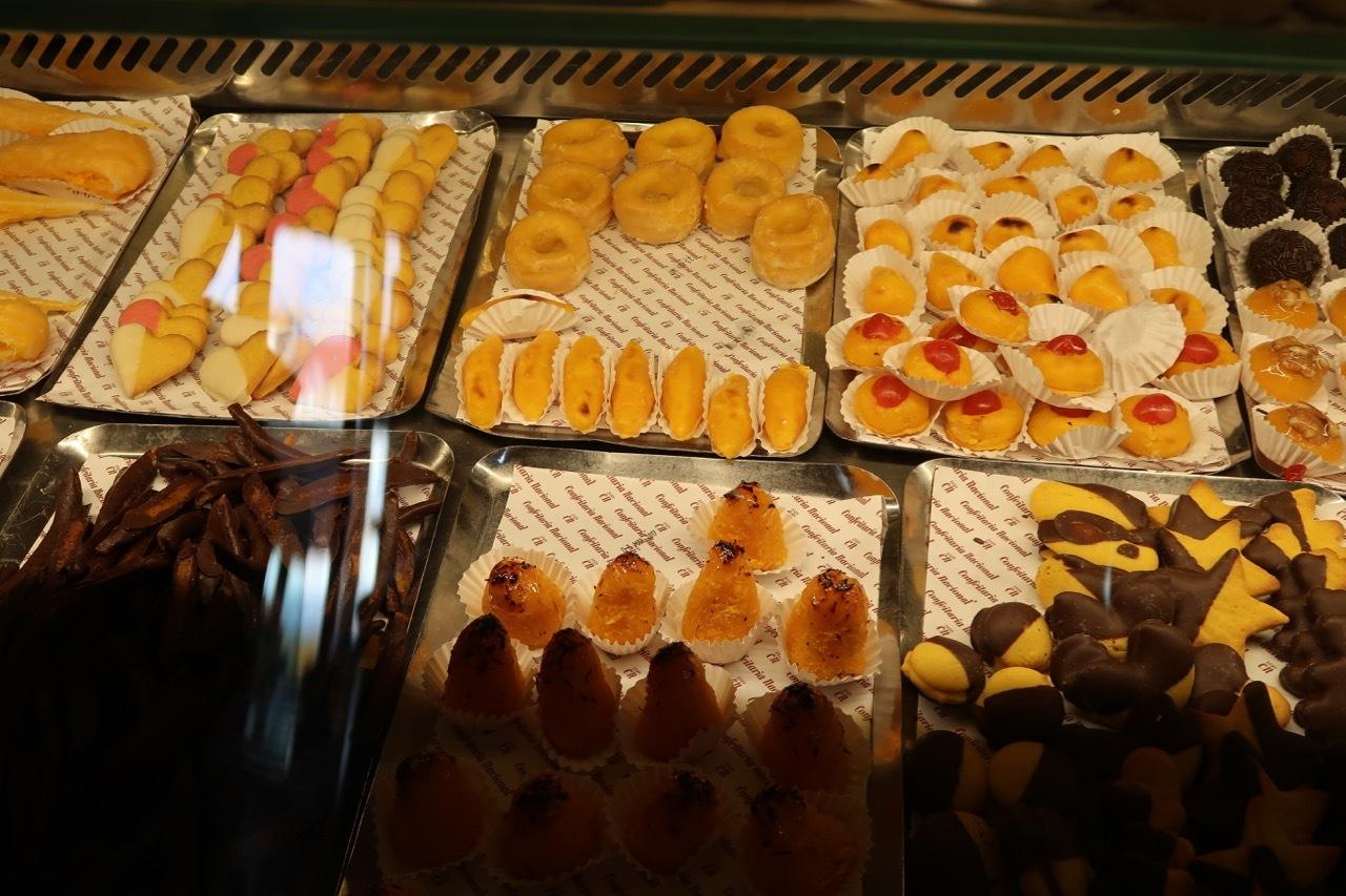 リスボンのオススメのお菓子屋さん Confeitaria National _f0380234_22200655.jpg