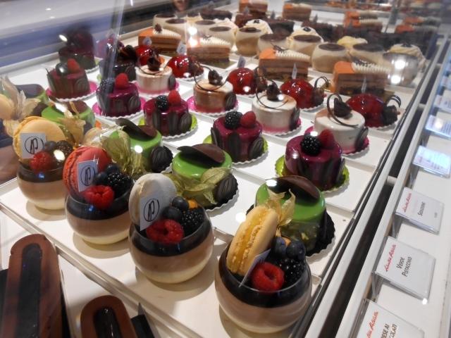 Bariで今注目!のケーキ屋さん_b0305039_05000874.jpg