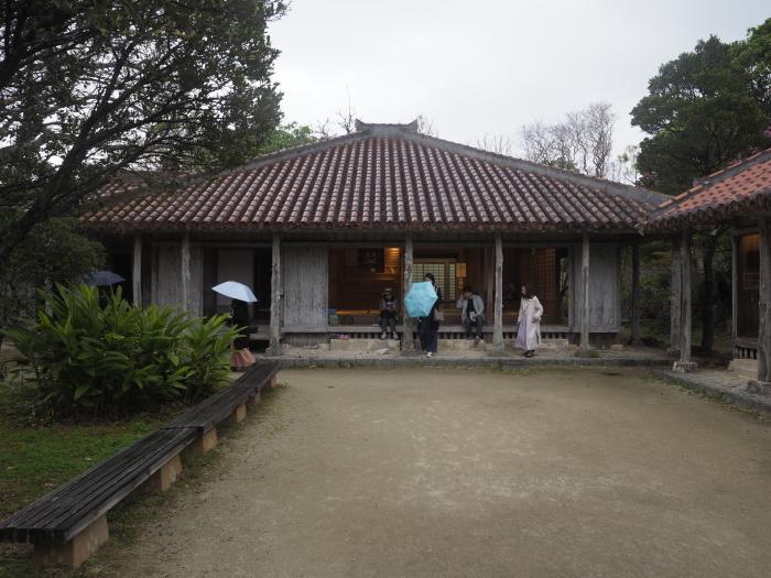 続|沖縄建築ツアー_d0122640_17175845.jpg