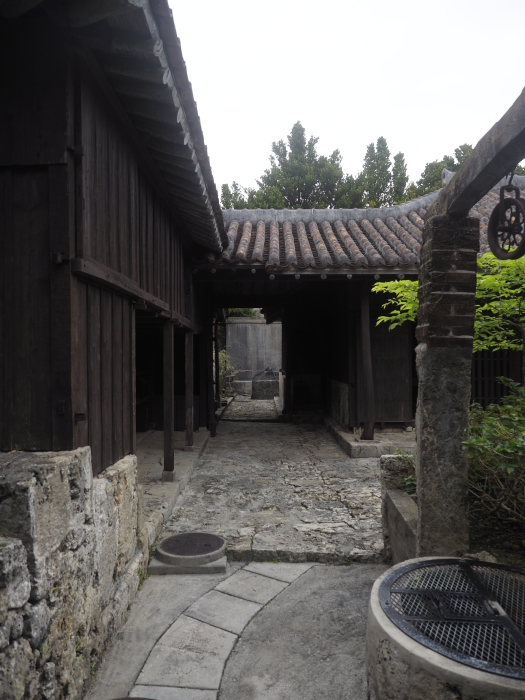 続|沖縄建築ツアー_d0122640_17352064.jpg