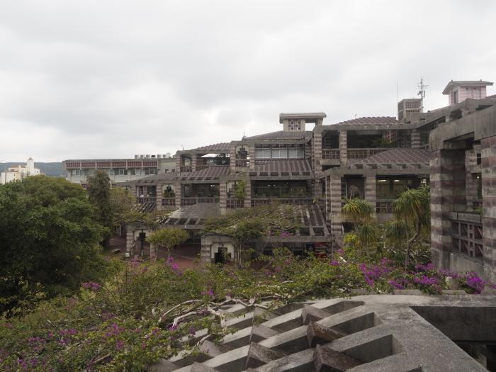続|沖縄建築ツアー_d0122640_17374946.jpg