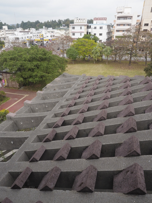 続|沖縄建築ツアー_d0122640_17383267.jpg