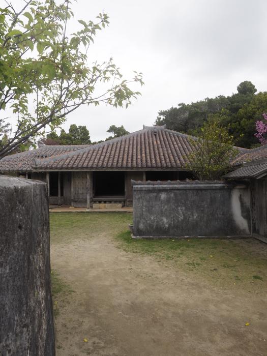 続|沖縄建築ツアー_d0122640_17392555.jpg