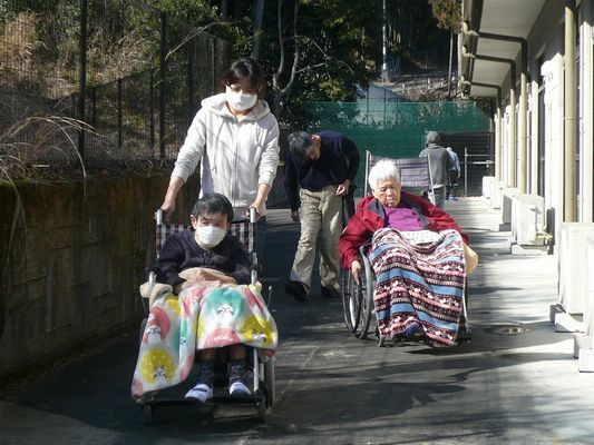 2/23 散歩_a0154110_09183187.jpg