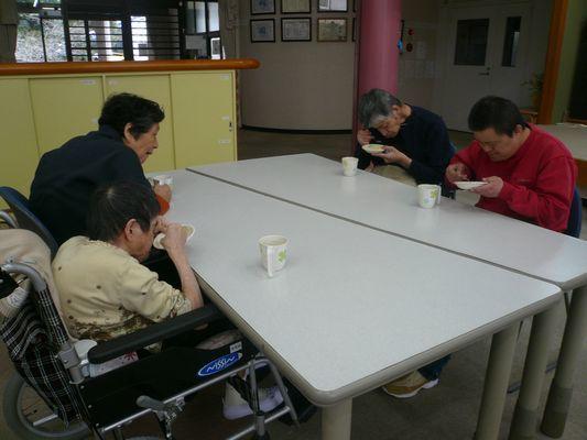2/25 日曜喫茶_a0154110_09500006.jpg
