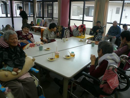 2/25 日曜喫茶_a0154110_09500273.jpg