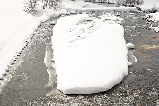 雪道走ってスタンプラリー♪_b0259218_06093505.jpg