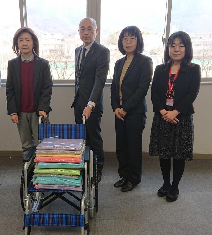車椅子・大判タオル贈呈式_e0191174_13473610.jpg