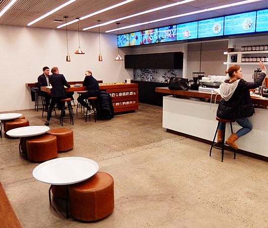 Targetの新しいスモール・フォーマットの「Tribeca店」_b0007805_1121619.jpg