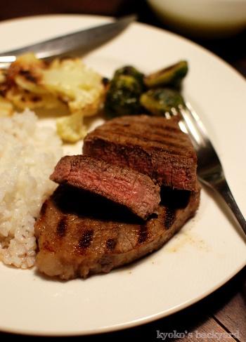 しましまステーキ。ロースト野菜。ポテトポタージュ。_b0253205_01551215.jpg