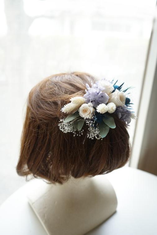 #ブルー系の小花を集めたクラッチブーケ_a0136507_22552554.jpg