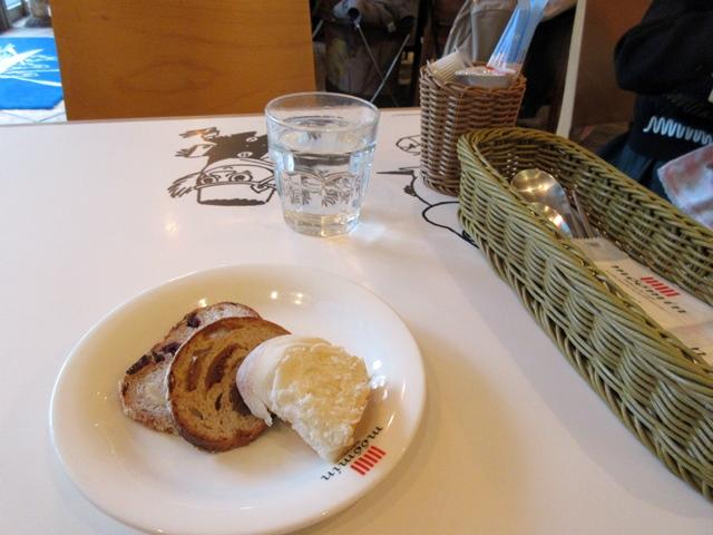 【東京ドーム】ムーミンカフェでムーミンママと一緒にランチ【ラクーア】_b0009849_1115352.jpg