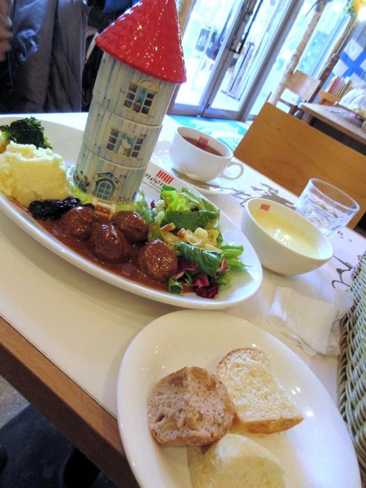【東京ドーム】ムーミンカフェでムーミンママと一緒にランチ【ラクーア】_b0009849_1125752.jpg