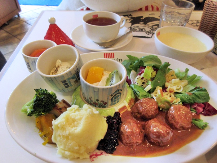 【東京ドーム】ムーミンカフェでムーミンママと一緒にランチ【ラクーア】_b0009849_1184461.jpg