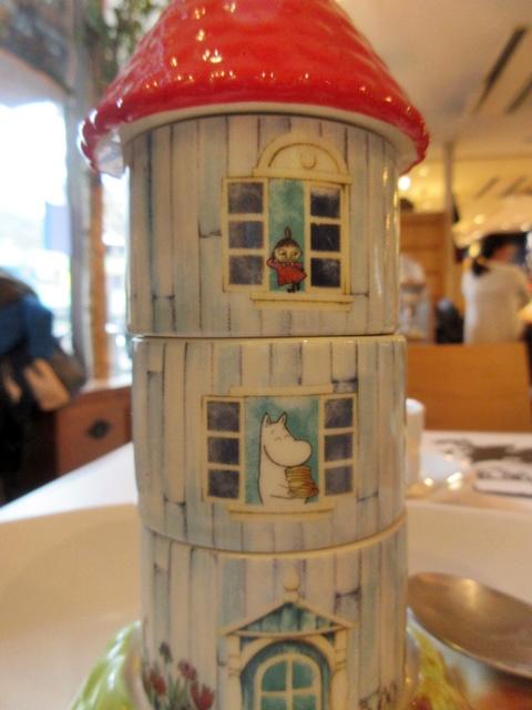 【東京ドーム】ムーミンカフェでムーミンママと一緒にランチ【ラクーア】_b0009849_1192691.jpg