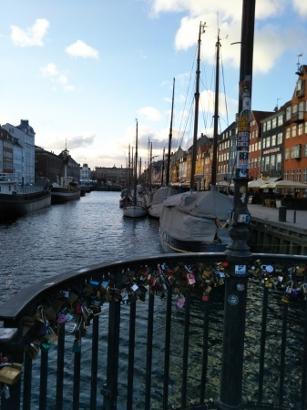 デンマークから_c0139773_14030059.jpg