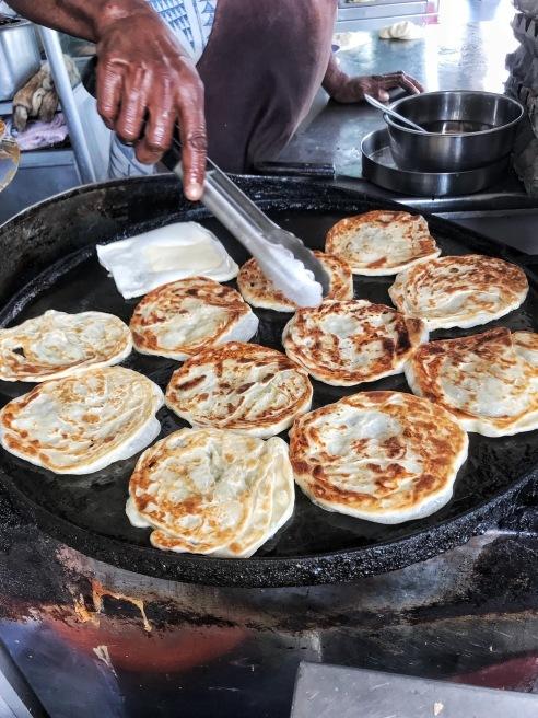 カトンでクリスピーなロティプラタ@Mr and Mrs Mohgan\'s Super Crispy Roti Prata_e0368107_22434463.jpeg