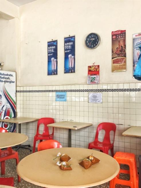 カトンでクリスピーなロティプラタ@Mr and Mrs Mohgan\'s Super Crispy Roti Prata_e0368107_22435513.jpeg